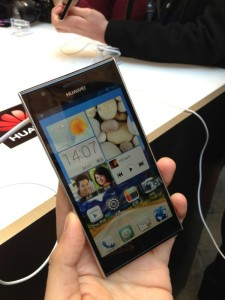 MWC 2013: Huawei Ascend P2 4.7inch LTE-Smartphone kommt für 399 Euro *Update4 : Hands-on-Video*