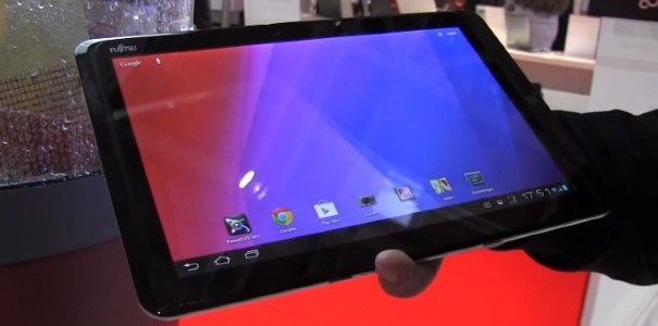 CeBIT: Fujitsu Stylistic M702 Tablet im Hands-on