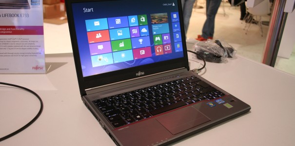 CeBIT: Fujitsu Lifebook E733 13.3inch High-End-Notebook mit Intel Core i7 im Hands-on Video