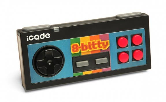 iCade 8 Bitty: Controller für iOS und Android mit Retro-Feeling