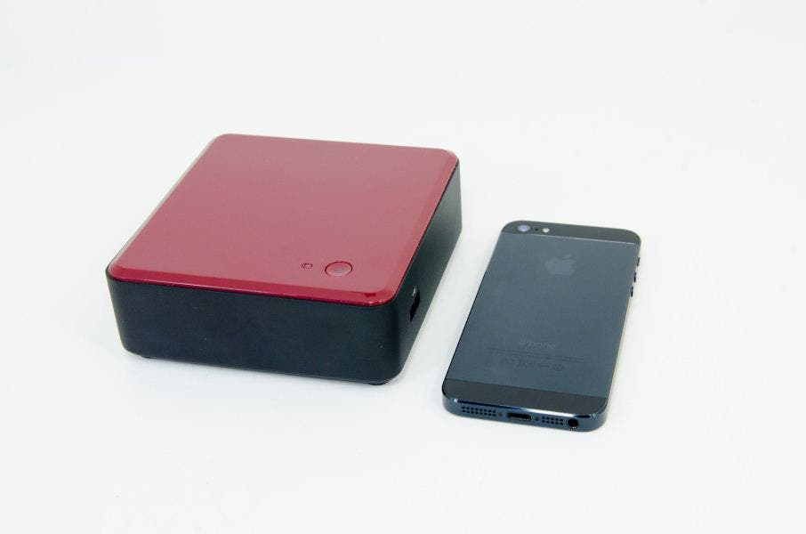 Intel NUC im Unboxing & Hands-on – 10x10cm Mini-Barebone-PC mit Intel Core i3-Power