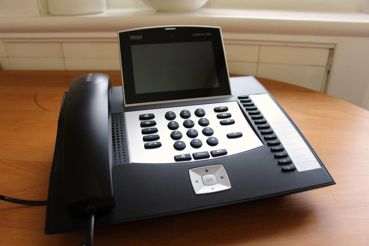 Auerswald COMfortel 3500 – Ein Geek-Business-Telefon?