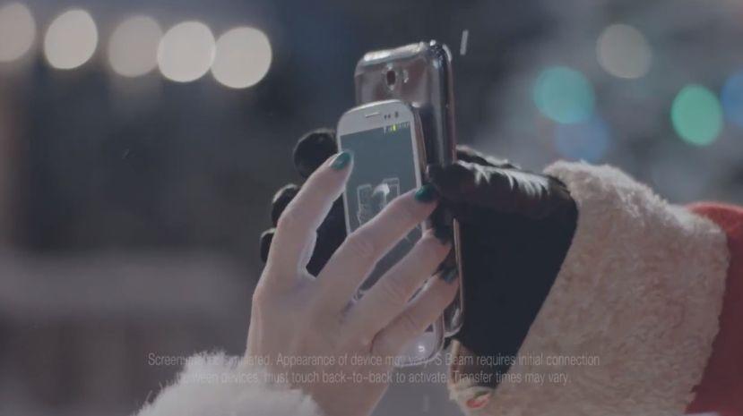 Samsung bewirbt S-Beam Feature in neuen Weihnachts-Spots
