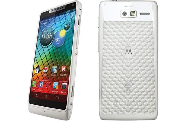 Motorola RAZR i Intel-Smartphone in Kürze auch in weiß erhältlich
