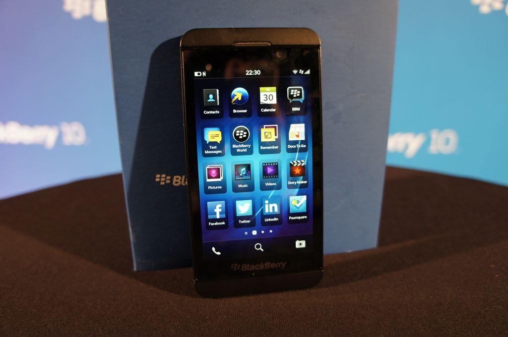 BlackBerry Z10 im deutschen Unboxing und erster Eindruck