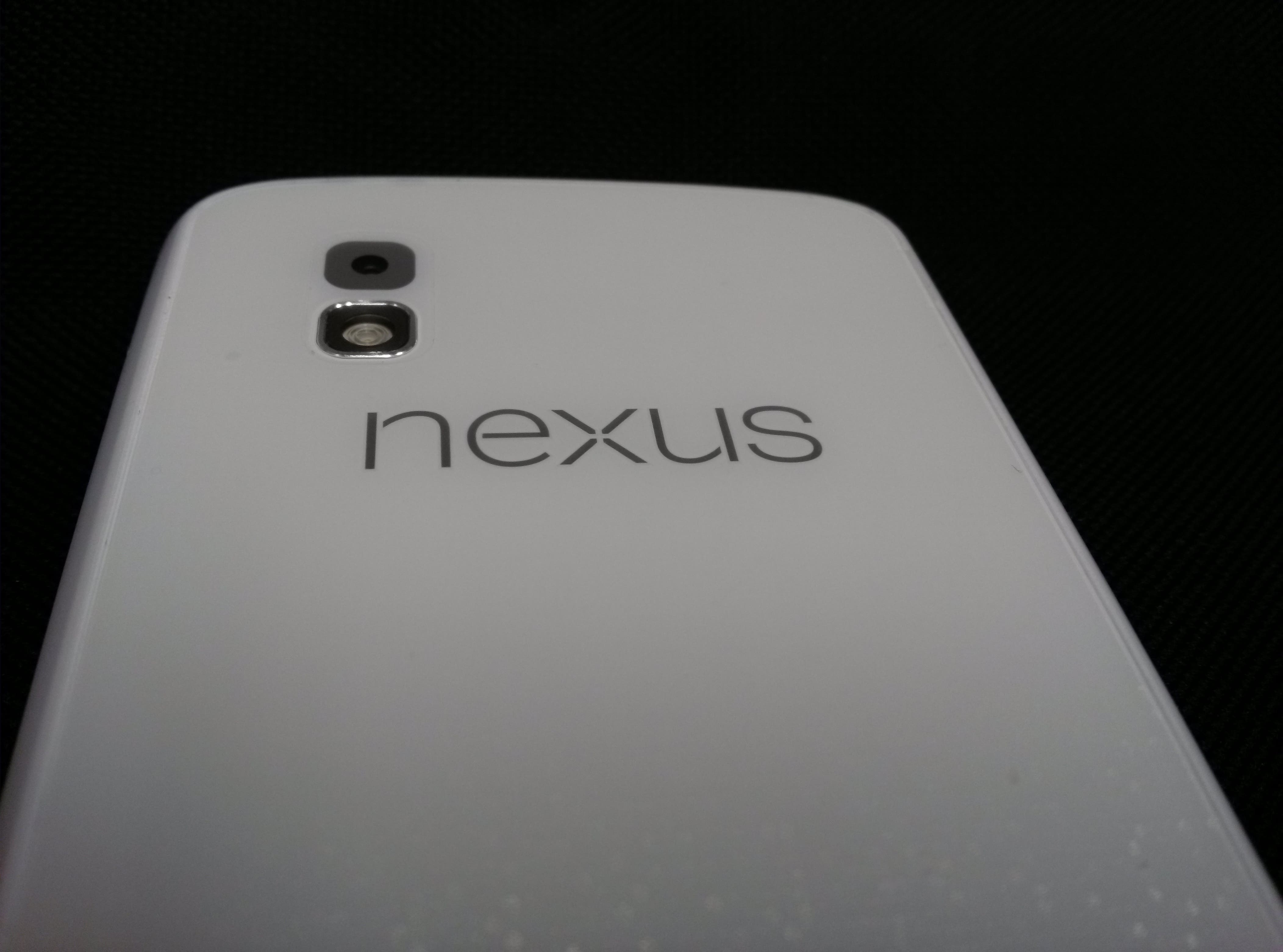 Nexus 4 in weiss taucht auf Foto auf