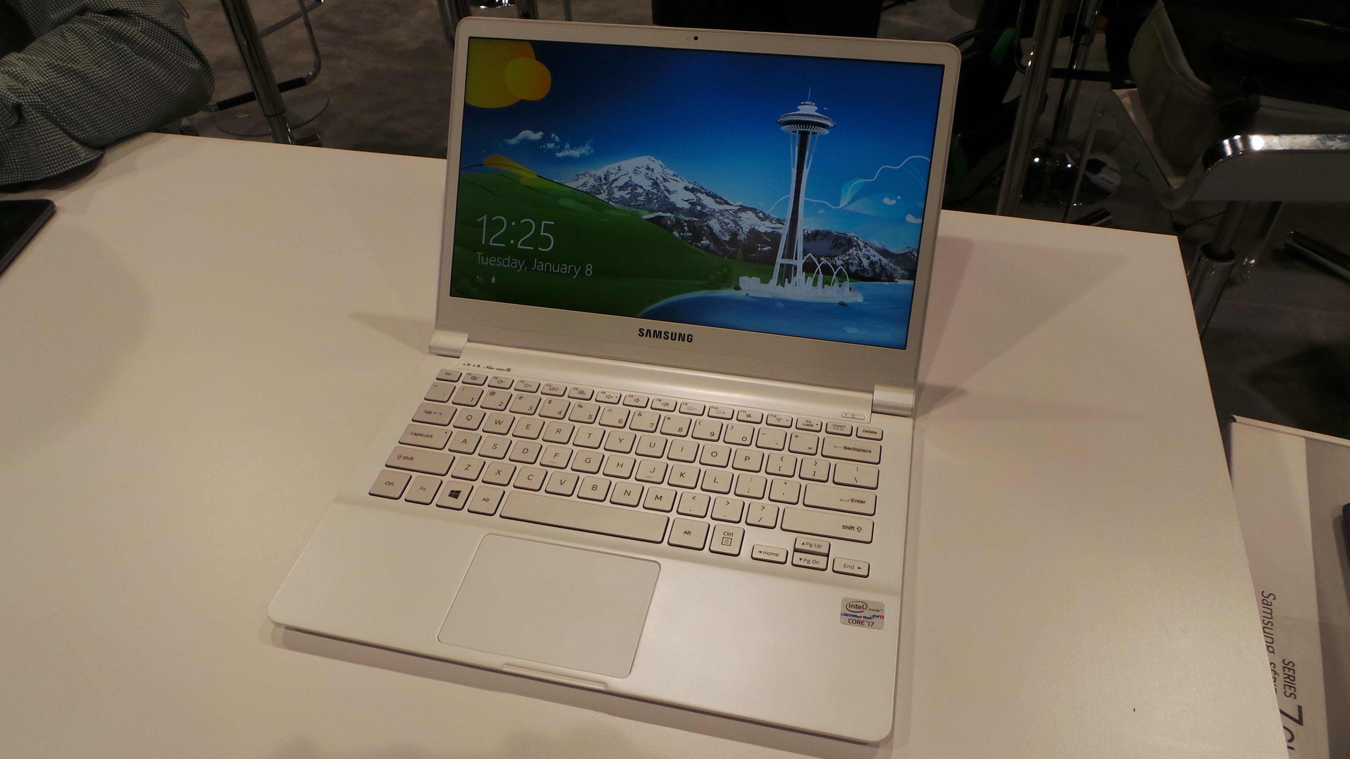 CES 2013: Samsung New Series 9 in weiß im Hands-on [Fotos]