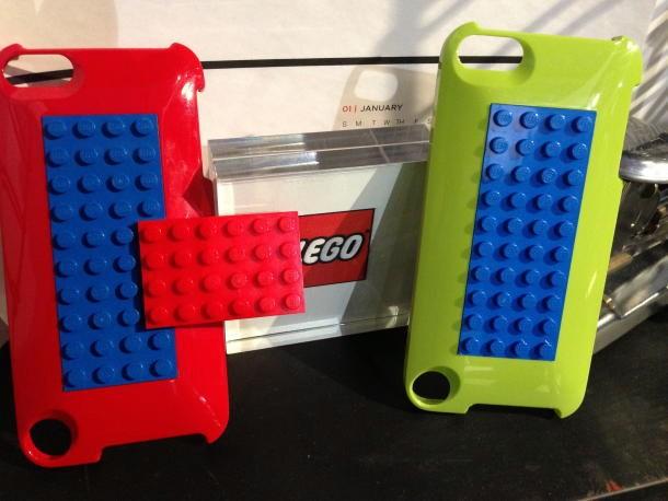 Belkin lizensiert Lego
