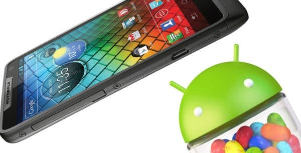 Motorola RAZR i erhaelt Jelly Bean Upgrade
