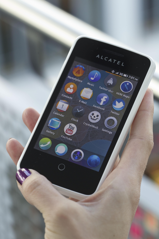 MWC: Telekom bringt Alcatel One Touch Fire Smartphone mit Firefox OS im Sommer – zuerst in Polen