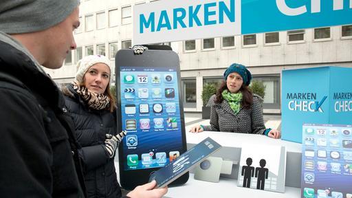 Foxconn will auf Druck von Apple Arbeitnehmervertreter zulassen / Apple im ARD Marken-Check