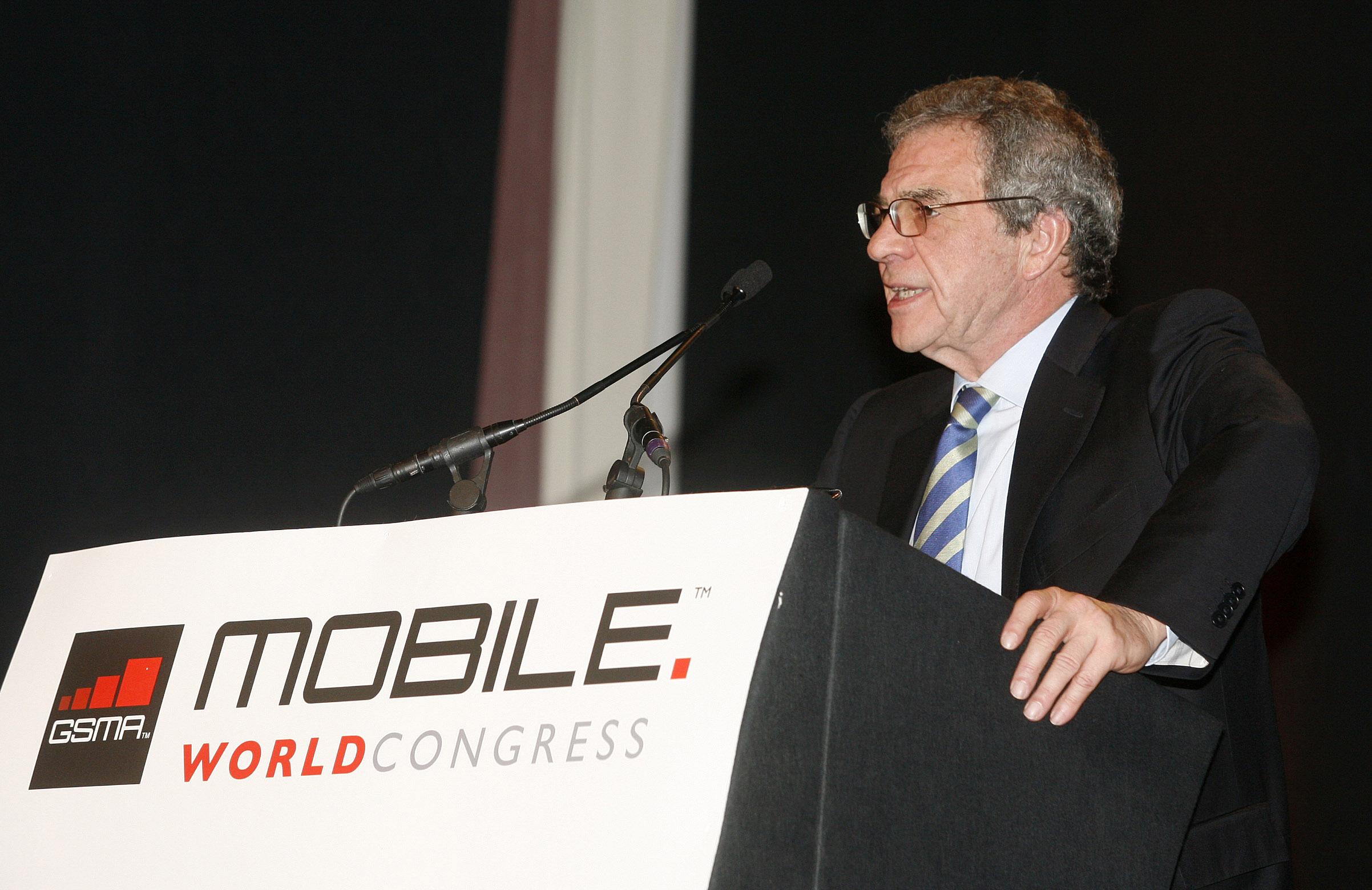 Netzbetreiber auf dem MWC: Google & Apple sind böse – Die verzerrte Welt der Mobilfunkbosse