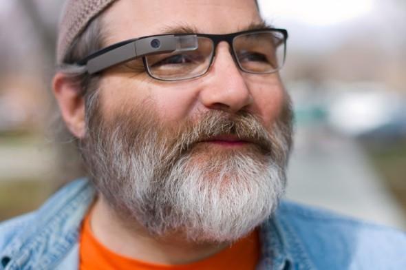 Google Glass funktioniert auch für Brillenträger
