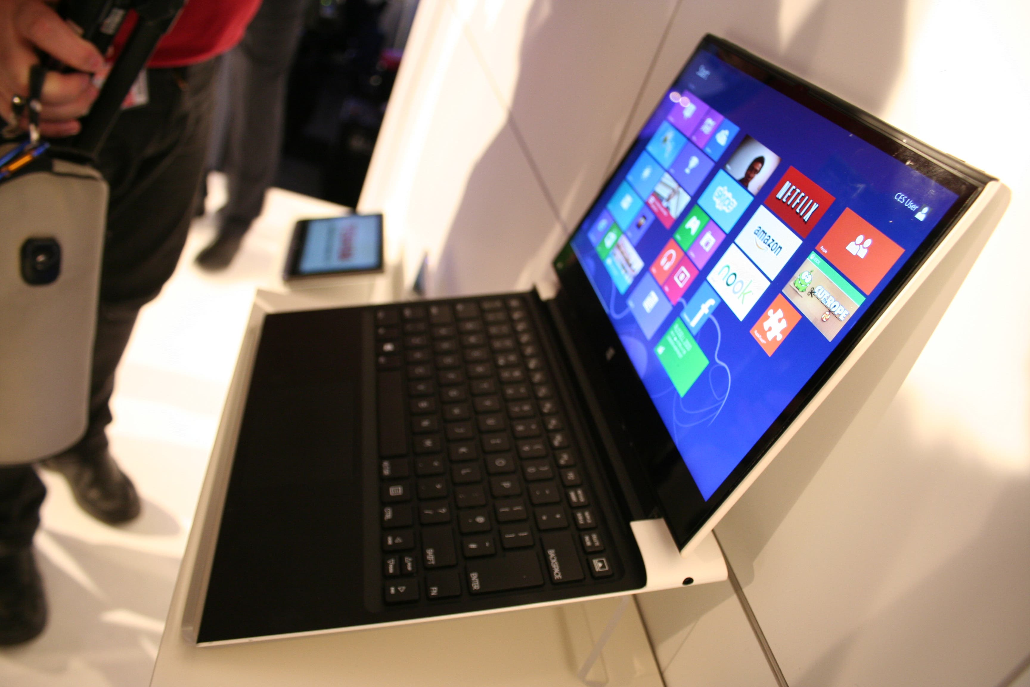"CeBIT: Intel ""Haswell"" Tablet-Ultrabook Refenz-Design im Hands-on-Video – Die Zukunft der Ultrabooks"