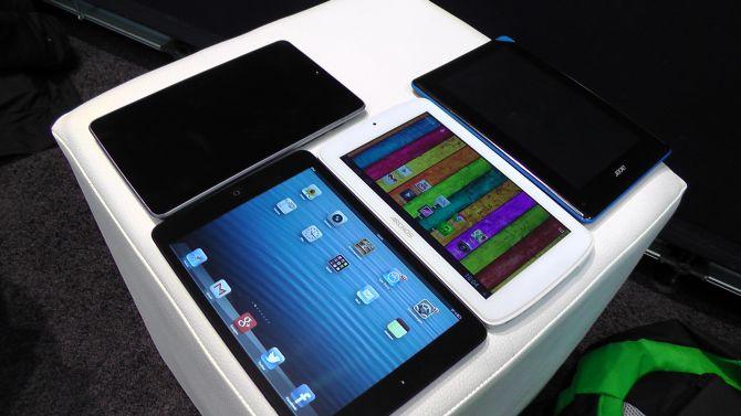 CeBIT: Archos 70 Titanium im Vergleich mit iPad Mini und Co.
