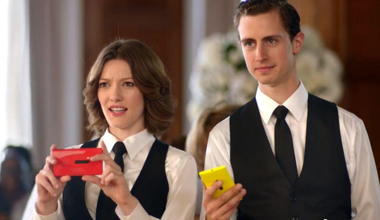 Microsoft lässt in TV-Werbung Samsung gegen Apple antreten