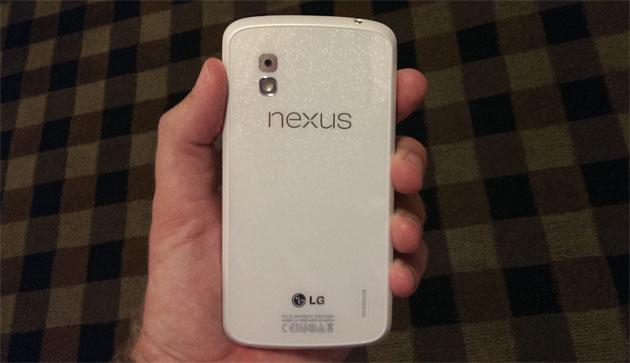Nexus 4 in weiß mit Android 4.3 Jelly Bean erscheint am 10. Juni