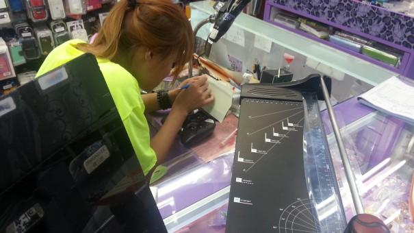 20130826 164003 605x340 Die perfekte Schutzfolie fuer jedes Display   Tales from Taipei #2