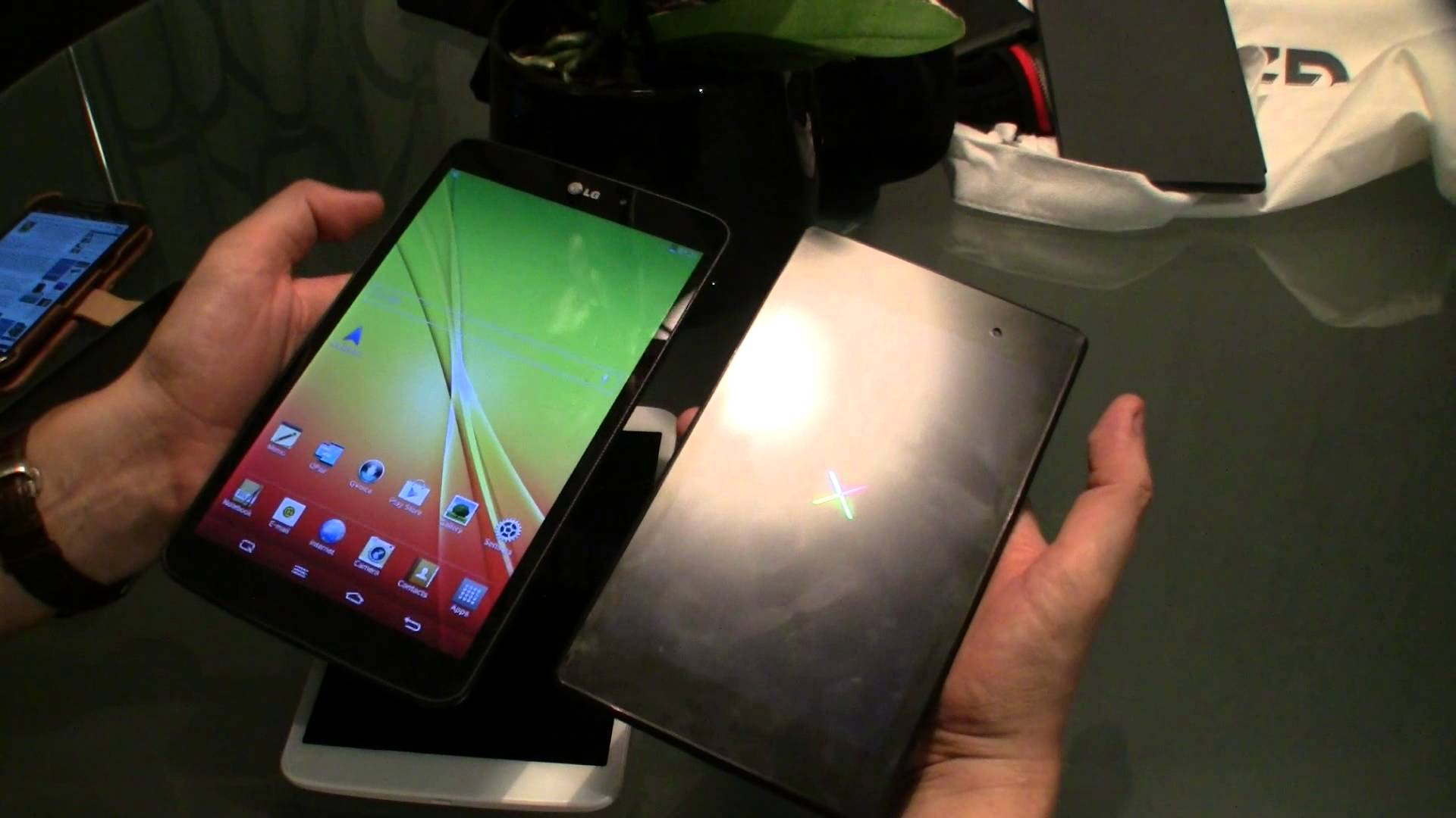 IFA: LG G Pad 8.3 im Hands-on und Vergleich mit iPad mini und Nexus 7