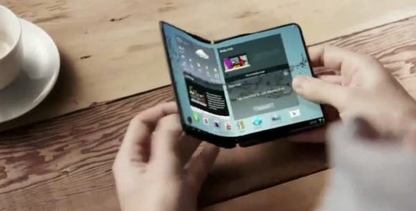 Samsung Zeigt Prototypen Mit Faltbaren Displays Hinter
