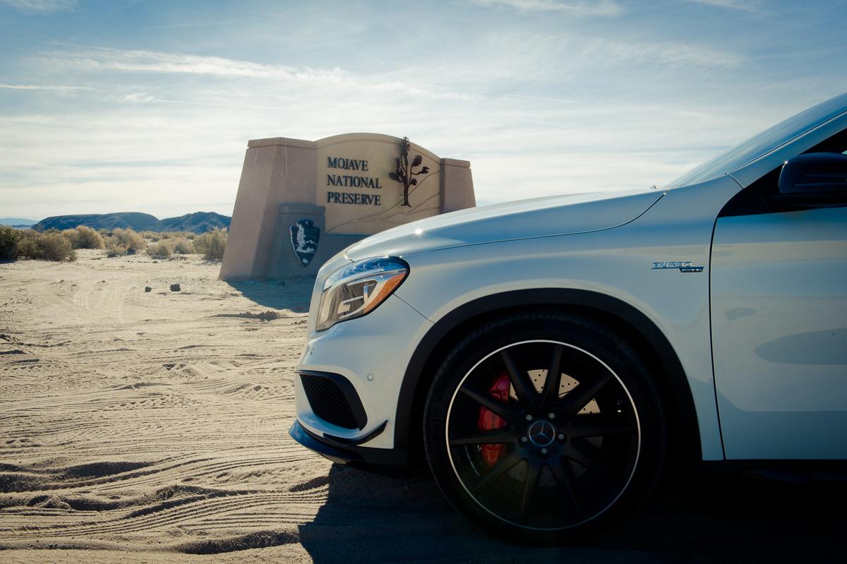 2015-Mercedes-Benz-GLA-45-AMG-Edition1-weiss-Las-Vegas-Mojave-Wueste-03