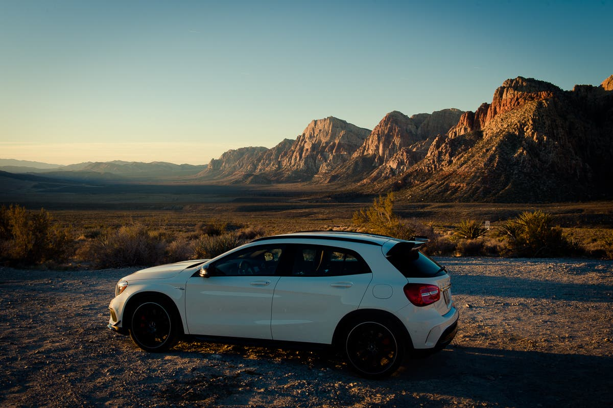 2015-Mercedes-Benz-GLA-45-AMG-Edition1-weiss-Las-Vegas-Red-Rock-Canyon-17
