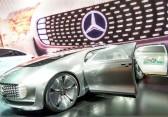 Mercedes-Benz F 015: Selbstfahrendes Auto präsentiert sich in neuem Clip
