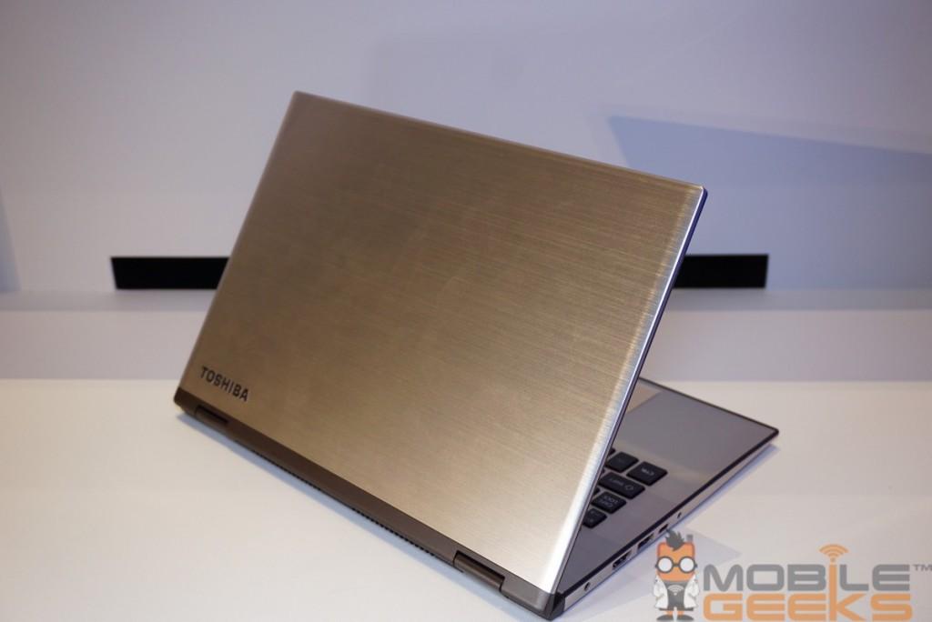 Toshiba Satellite Ultrabook Rückseite