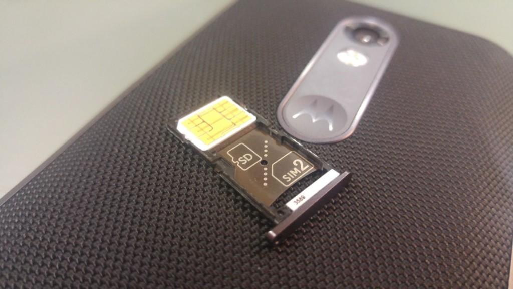 Moto X Force Sim Karten Tray entweder als Dual-Sim oder für SD-Karte nutzbar