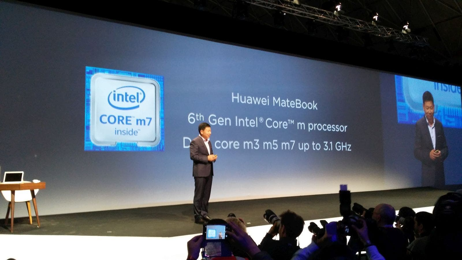 Huawei MateBook 05