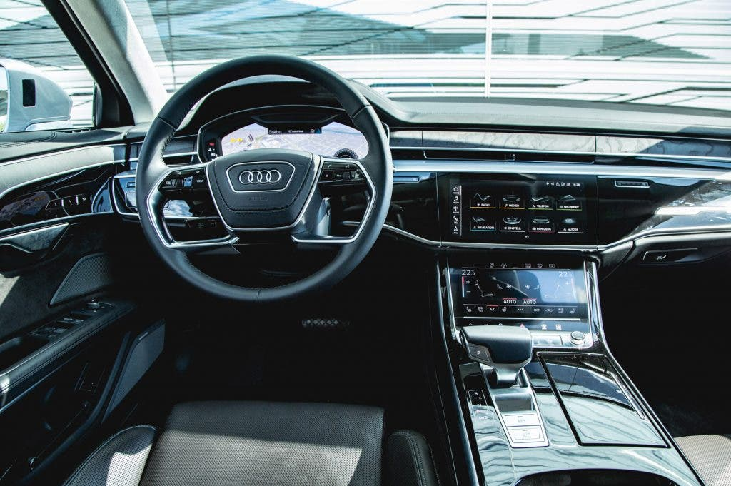 Cockpit vom Audi A8