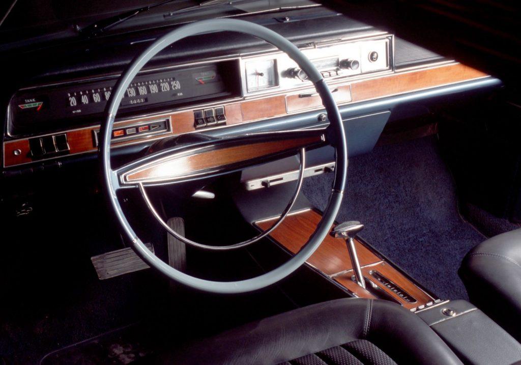 Opel Diplomat B Cockpit