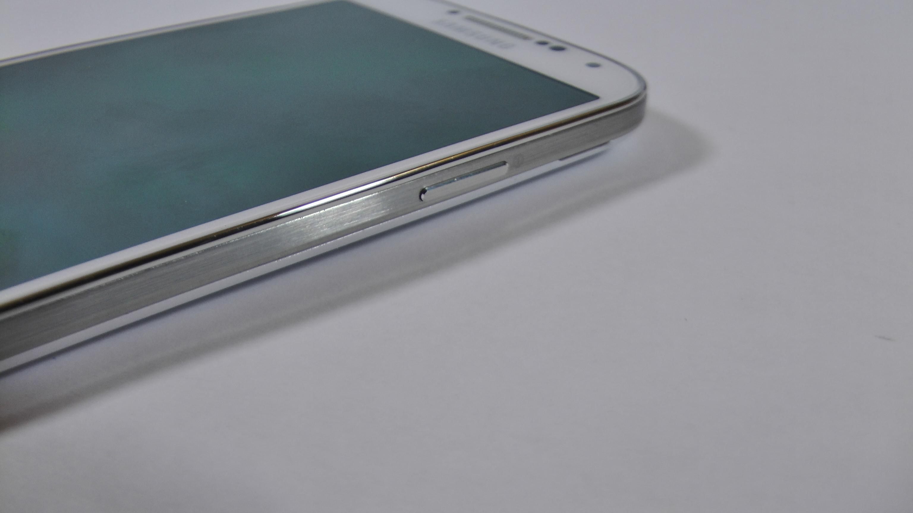 Samsung Galaxy S4 zerbrechlicher als sein Vorgänger – und als das iPhone 5