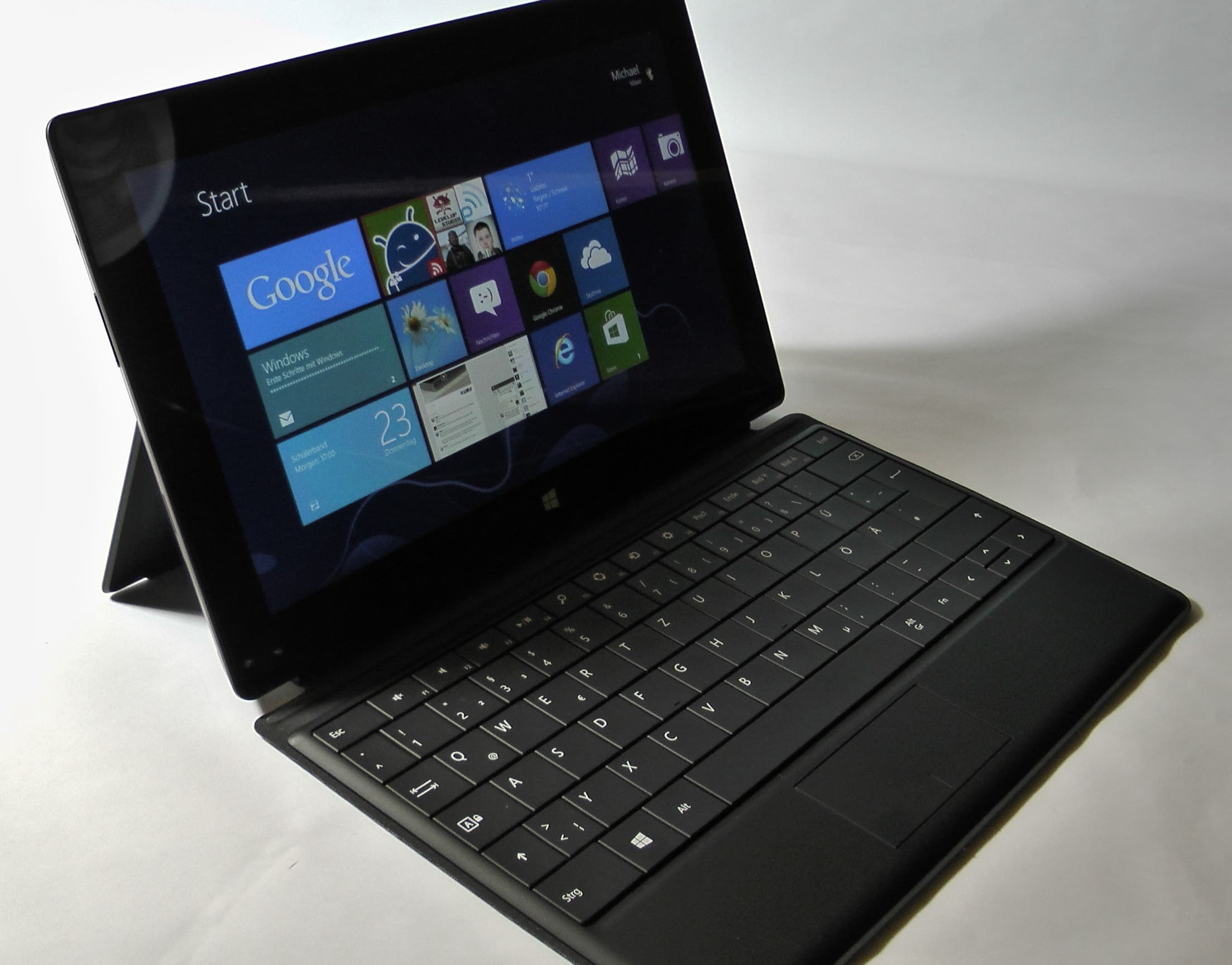 Microsoft Surface Pro mit 256GB und Office 2013 in Japan