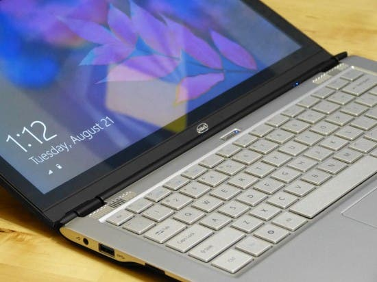 Intel Touchscreen Ultrabook 4 550x412 Videos: Intel Touchscreen Ultrabook Referenzdesign mit Windows 8 angetestet