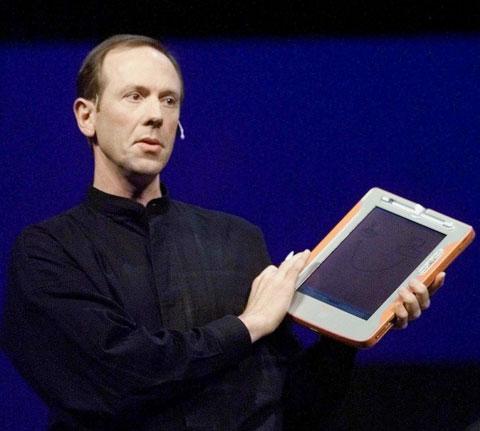 Bert Keely, der im Jahre 2000 auf der Comdex in Vegas folgendes Produkt und damit die Tablet PC Vision von Microsoft zeigte:
